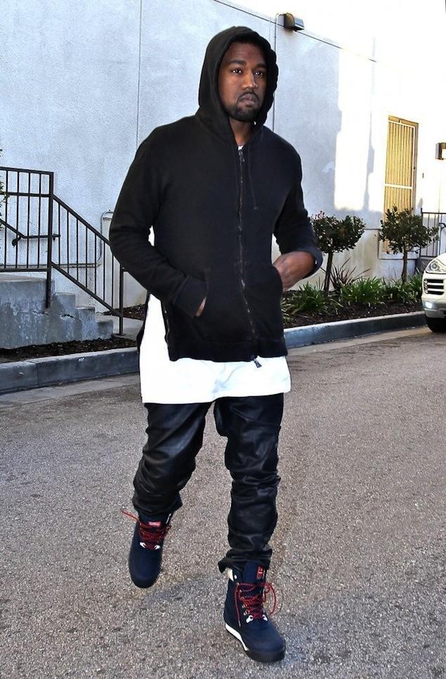 Kanye-West-wearing-Patta-x-Kangaroos-Woodhollow-Heritage-Hiking-Sneaker-Boots-Upscalehype-6