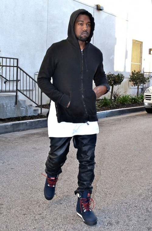 Kanye-West-wearing-Patta-x-Kangaroos-Woodhollow-Heritage-Hiking-Sneaker-Boots-Upscalehype-6