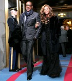 1358784269_jay-z-beyonce-knowles-zoom